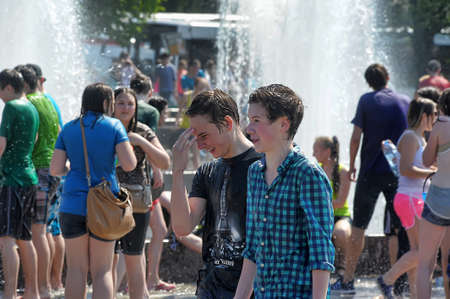 drench: People pour water on each other, Water Battle, Peerburg, Russia