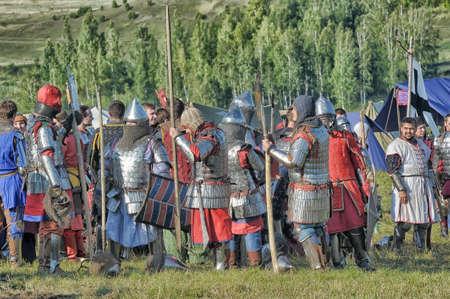 cross armed: Medieval battle