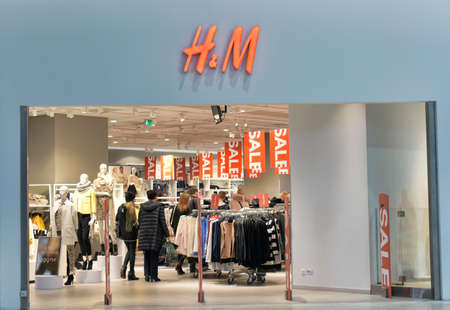 hm: HM store during sales, St. Petersburg, Russia.