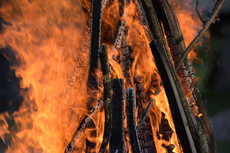 ritual: Hot fire ritual fire in the spring.