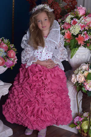 barbie: Young princess in a pink and white dress
