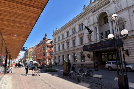 xvi: Karlskrona is the capital city of province Blekinge, build in XVI century, population 35212 residents. Editorial