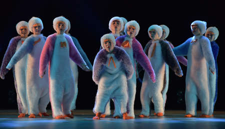 Children in a suit of penguins dance on a stage, Children's dance group, Petersburg, Russia 版權商用圖片 - 78381659