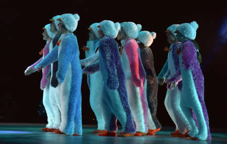 Children in a suit of penguins dance on a stage, Children's dance group, Petersburg, Russia 版權商用圖片 - 79118720