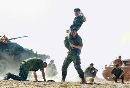 Russie, Saint-Pétersbourg, 28.07.2013 Performance démonstrative du Corps des Marines Éditoriale