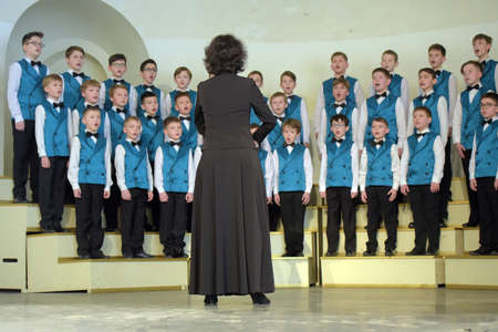 Russia, St. Petersburg 25,05,2019 Performance of the children's choir on the stage. Children's theatrical creativity, choreography and vocal, school children's amateur performance Banque d'images - 138480307