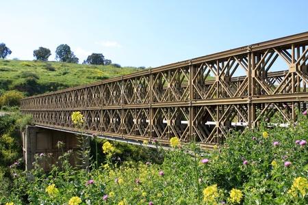 breakage: Un puente de acero cruzar la rotura Foto de archivo