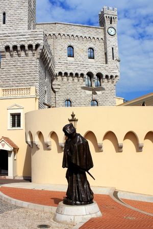 prince s palace of monaco: Monaco - August 2012: The statue of Francesco Grimaldi outside the Prince s Palace of Monaco