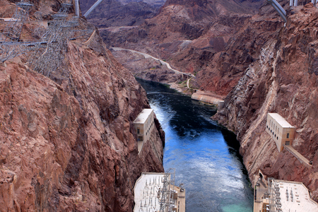 famous industries: View of Hoover Dam, concrete arch-gravity dam in the Black Canyon of the Colorado River between Nevada and Arizona states, USA