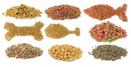 Collection de nourriture pour animaux de compagnie isolée sur fond blanc