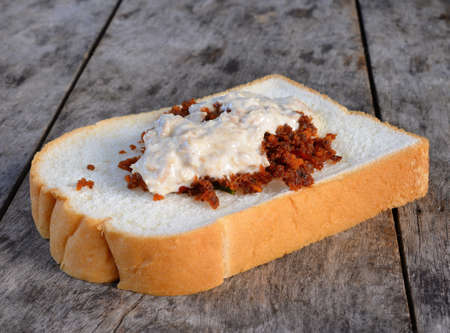 tuna mayo: Tuna sandwich