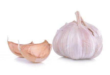 bulbet: Garlic isolated on white