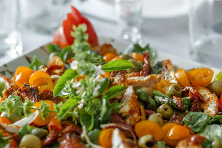 romaine: salad dish closeup