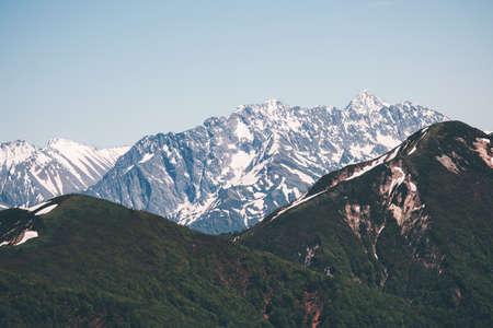 Snowy Mountains Landscape Voyage sereine vue panoramique aérienne Banque d'images