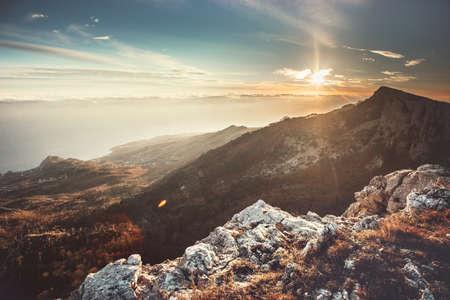 Sunset Mountains Landscape Voyage sereine vue panoramique aérienne