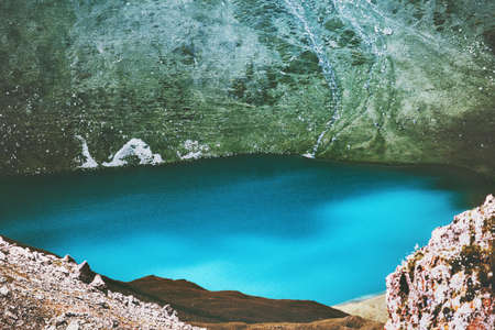 Blue Lake in Mountains Landscape Summer Travel majestueuze luchtfoto