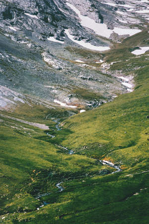 Vue aérienne de la vallée des montagnes Paysage Voyage d'été Paysage sauvage