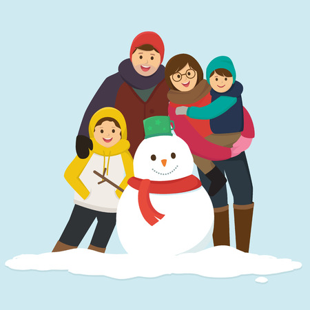 Glückliche Familie mit einem Schneemann