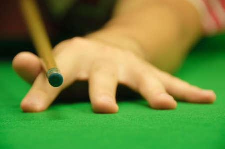 hand position: Posici�n de la mano de profesionales cuando se mantiene la referencia (en este caso, una referencia de billar)