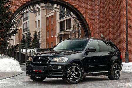 Novosibirsk, Russia - February 16, 2019:  BMW X5,front view. Photography of a modern car on a parking in Novosibirsk Standard-Bild - 133071856