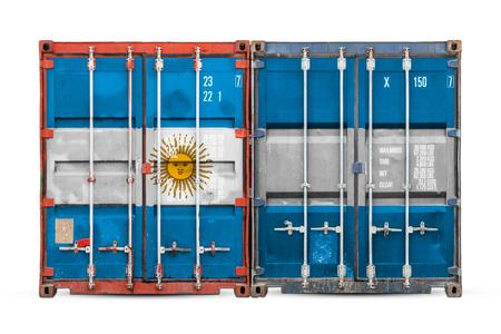 Il concetto di esportazione-importazione in Argentina e consegna nazionale delle merci. Primo piano del contenitore con la bandiera nazionale dell'Argentina su sfondo bianco isolato.
