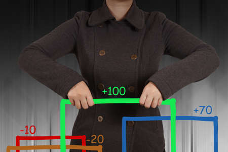 businesswoman hand shows virtual pie chart Stock Photo - 16707612