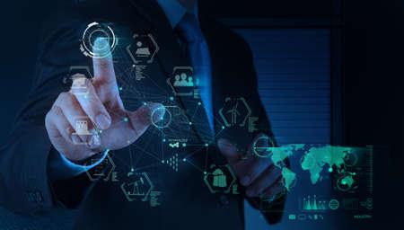 trabajador petroleros: mano ingeniero negocio funciona diagrama de la industria en el equipo virtual como concepto