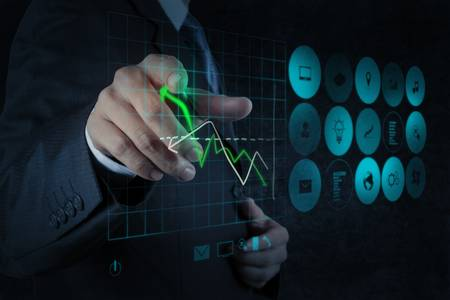 la main d'affaires travaillant avec nouvel ordinateur moderne et de la stratégie de l'entreprise en tant que concept