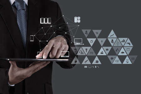 tecnologia: empresário que trabalha com o novo show de estrutura social moderna rede de computador Imagens