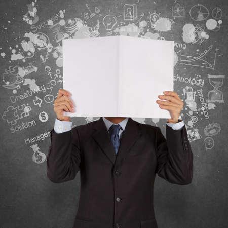 marca libros: mano empresario espect?culo libro de ?xito comercial como concepto