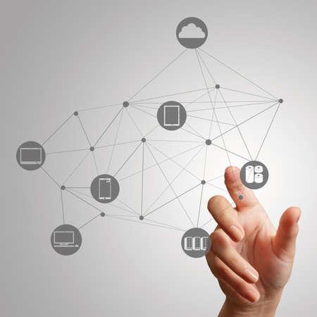 손을 컨셉으로 새로운 컴퓨터 인터페이스에 클라우드 컴퓨팅 다이어그램 작업 스톡 콘텐츠