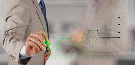 zakenman hand werken met nieuwe moderne computer en business strategie als concept Stockfoto