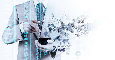 calculadora: Doble exposici�n de negocios muestra la tecnolog�a moderna como concepto Foto de archivo