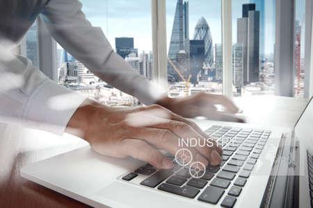 profesionistas: Doble exposición de icono empate ingeniero de negocios de la industria y de la ciudad de Londres como concepto