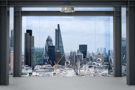 Innenraum der modernen leeren Büro-Interieur mit London City Hintergrund Standard-Bild - 43290700