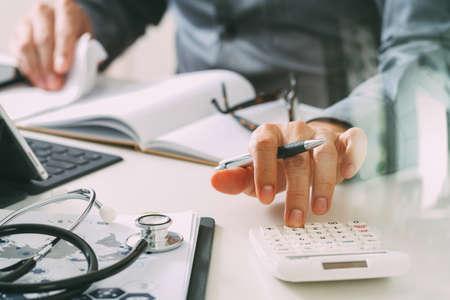 Concept des coûts et des frais de soins de santé Banque d'images - 80116502