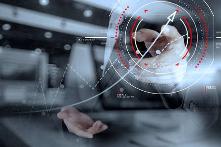Concept de diagramme cible numérique cible, interfaces graphiques, écran d'interface utilisateur virtuelle, connexions analyste financier réseau.Hipster travaillant au bureau à la mode Banque d'images