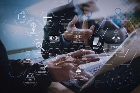Diagrama de flujo de tecnología financiera y criptomoneda de minería de ingresos básicos con diagrama virtual de dinero criptográfico de unicornio de inicio de blockchain. Reunión de equipo de negocios presente. inversor profesional trabajando en un nuevo proyecto de inicio. Foto de archivo