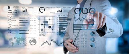 インテリジェンス (BI) とビジネス分析 (BA) 主要業績評価指標 (KPI) ダッシュボードの概念.ビジネス ドキュメントをスマートフォンとデジタル タブレットとグラフを使用したオフィス テーブル上のワイド スクリーン コンピューター。 写真素材 - 107981063