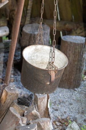 Outdoor of old medieval cauldron for cooking Banque d'images