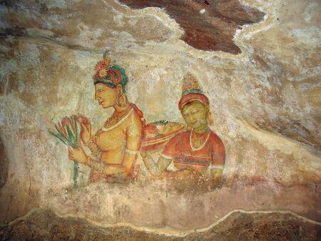 cave painting: Pintura rupestre. Los frescos que representan una procesi�n de princesas, cubierto por una estructura de clara de huevo con miel de abejas silvestres, han mantenido los colores brillantes. 5 siglo