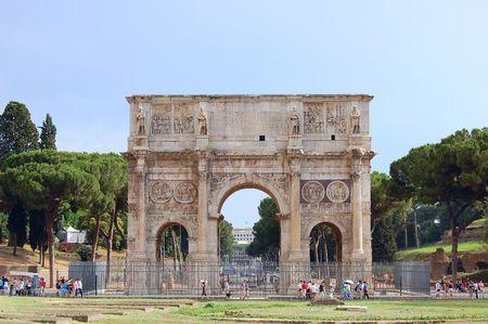 constantino: Arch of Constantine (Arco Constantino) - Roman ancient landmark in Rome, Italy Stock Photo