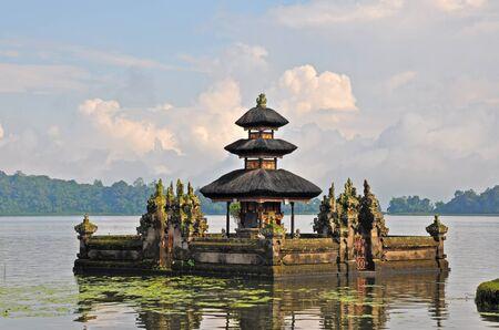 Beautiful Balinese Pura Ulun Danu temple on lake Bratan. Bali, Indonesia Stock Photo - 10994105