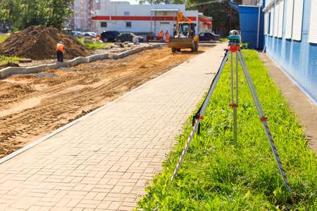 teodolito: Construcción vial. teodolito en la construcción de la carretera
