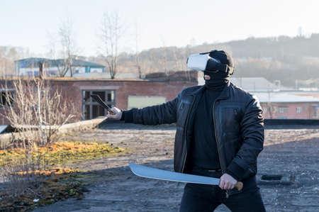 Hommes à lunettes de réalité virtuelle