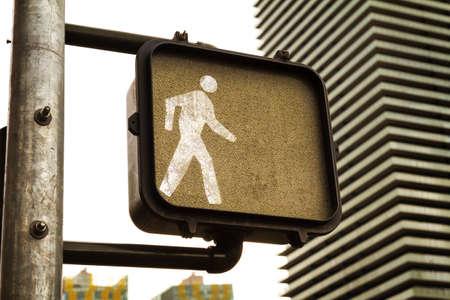 paso peatonal: Crosswalk  sign shows signal to walk, focus on crosswalk sign, Las Vegas, Nevada Foto de archivo