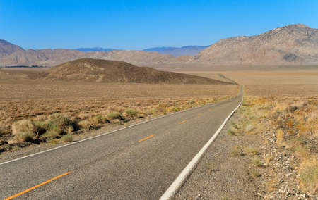 inyo national forest: Road to Inyo National Forest Park, California, USA Stock Photo