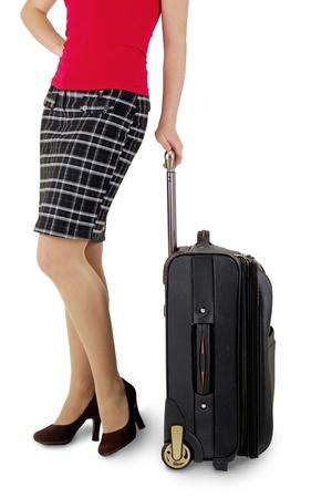 etiquetas de ropa: piernas de la mujer con una maleta