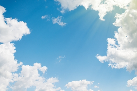 achtergrond. mooie blauwe hemel met witte wolken