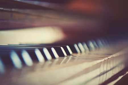 old piano: keyboard piano